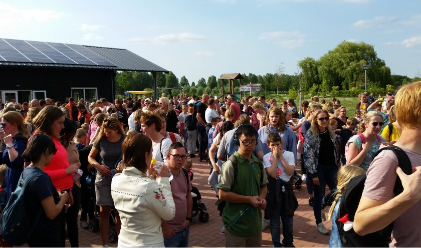 In totaal schreven 810 wandelaars zich in voor de Avondvierdaagse in Hendrik-Ido-Ambacht.