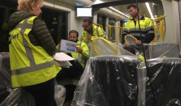 Foto's tonen de analyse van de remproeven en de CAF tram vlak voor vertrek vanaf de remise. Foto: Provincie Utrecht © DPG Media