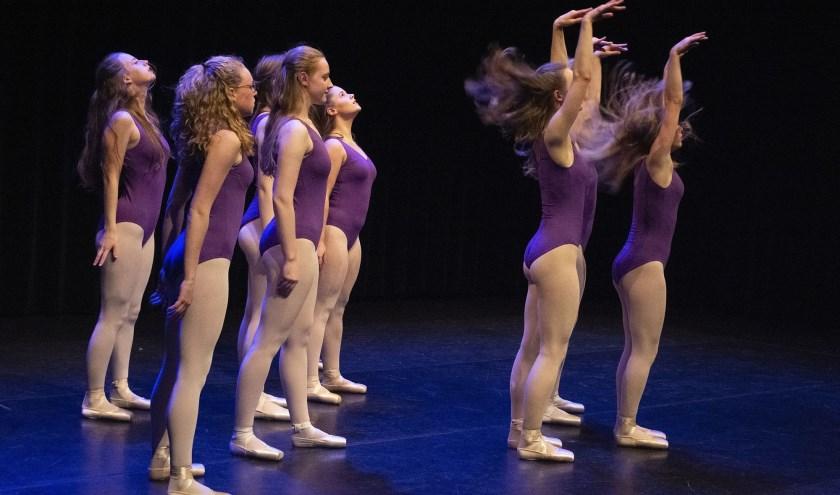 Zowel deelnemers als gastgezinnen gezocht voor de dansdag van Kunstencentrum Waalwijk op zondag 18 augustus. Meld je aan op www.kunstencentrumwaalwijk.nl.