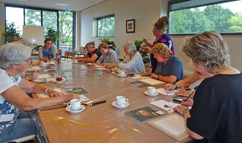 Voor hen die te laat waren: op zaterdag 6 juli verzorgt Hilda Haselberg een tweede workshop Dry brushen.