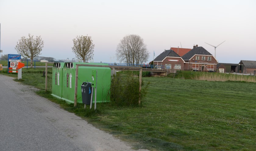 Als de restafvalcontainers hier zouden komen zijn er veel problemen voor de inwoners opgelost en bevordert de veiligheid.