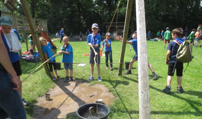 Scouting Hagemans in actie op de jungledag. Foto: Yvonne Slomp