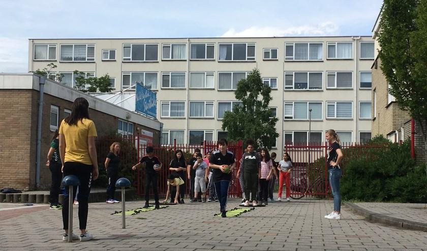 Changemaker Leonida (groep 8 OBS het Startblok) organiseerde vorige week een bijzondere sportdag!