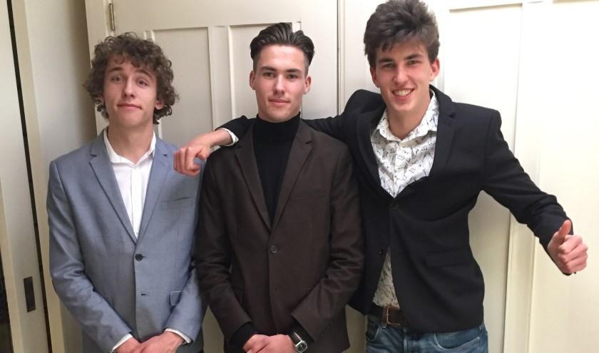 Jan, Willem en Lucas Timmerman blij met examenuitslag.