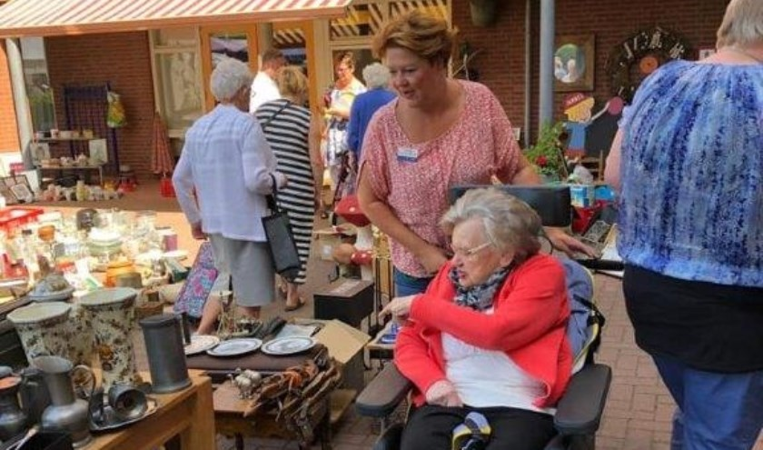 De fancy fair van Judith Leysterhof in Hardinxveld-Giessendam werd druk bezocht. (Foto: Privé)