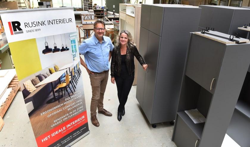 Ondernemer van de week: Jaap Hoogland en Caroline Rusink. (foto: Roel Kleinpenning)