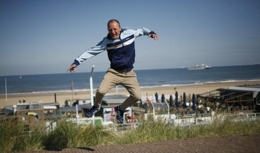 Charley Lownoise (Ramon Roelofs) Op Scheveningen. (Foto: Joyce Hoogland/indebuurt.nl)