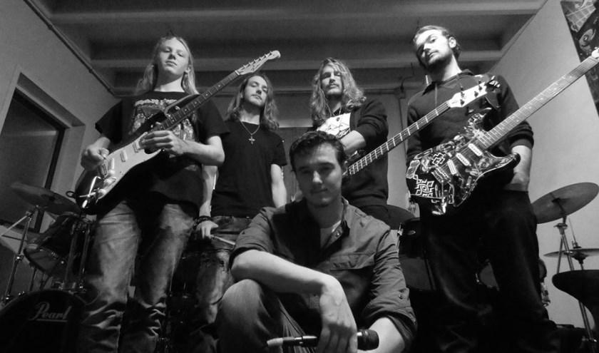 Seizoenafsluiting vindt plaats 'Cultureel Café Ammerstol' met de bands Scream tonight en Miracle.