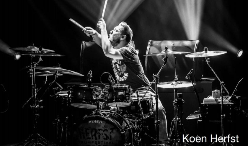 Het nieuwe soloalbum LEO van Koen Herfst is een eerbetoon aan zijn vader en daarom ook uitgebracht op diens verjaardag. Foto: Koen Herfst