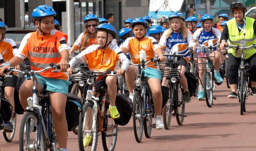 Met ruim 150 kinderen in de leeftijd van 9 tot en met 13 jaar fietst Ome Joop's Tour van 21 tot en met 31 juli door Nederland. Foto: Ome Joop's Tour
