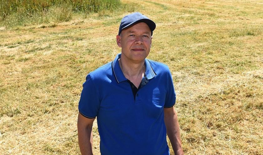 """Andre Evers: """"De scouting verzorgt naast de atletiekbaan een terrein met 160 fruitbomen."""" (foto: Roel Kleinpenning)"""