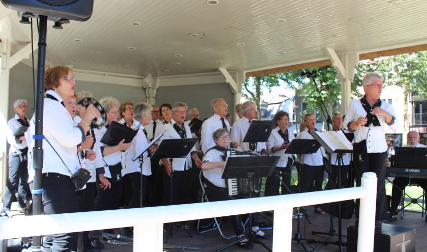 Optredens zijn op zes verschillende podiums in de buitenlucht in het lindenrijke Oisterwijkse dorpshart en in Tiliander.
