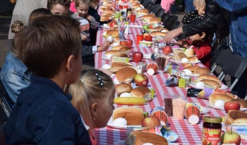 """Frank: """"""""Meedoen is overigens gratis, dankzij de sponsoring van de Plus Oelerweg. Een kind hoeft alleen maar te worden opgegeven voor het ontbijt. Voor al het andere geldt: kom lekker spelen!"""" Foto: Franky's IJs Kinderdag"""