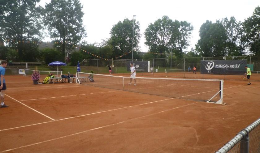 Aan het Losser-open van LTC deden in totaal 310 tennissers mee.