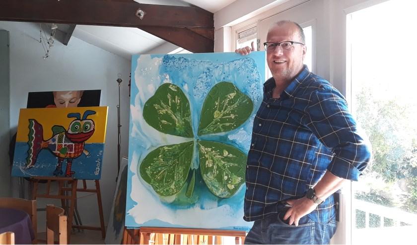 Toon van Gelder in zijn atelier. (Foto Elly Bruns)