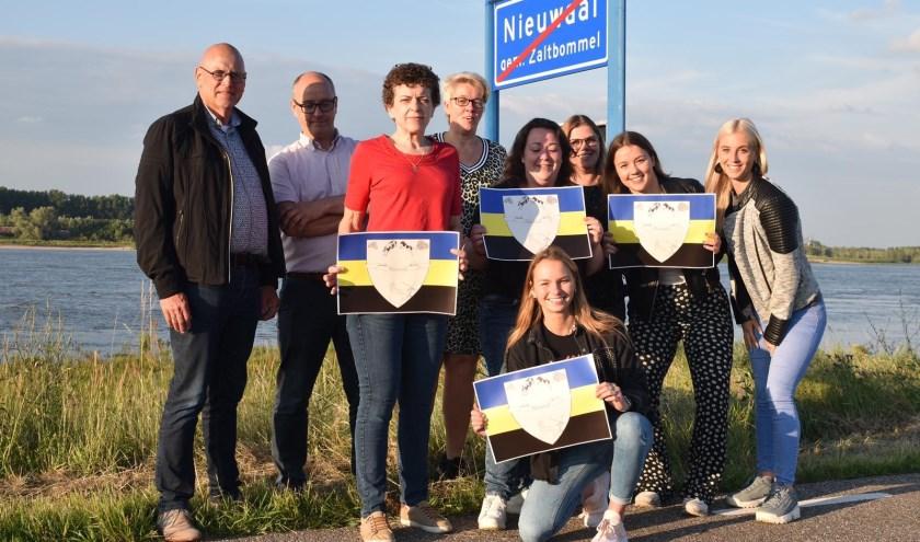Een laaiend enthopusiast team staat klaar in Nieuwaal om de Zomer in Gelderland karavaan te ontvangen.