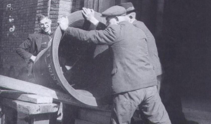 In 1943 werd de bronzen klok uit de toren van de rooms-katholieke Dionysiuskerk gehaald omdat de Duitsers het metaal nodig hadden voor de oorlogsindustrie.  (Foto:  Erfgoed Rijssen-Holten)