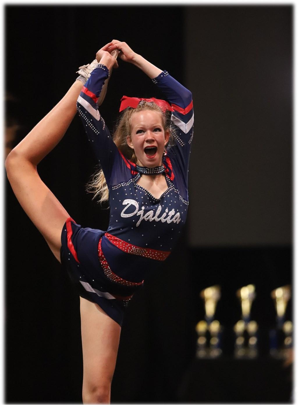 Cheerleader Demi in actie Foto: CCVA © DPG Media