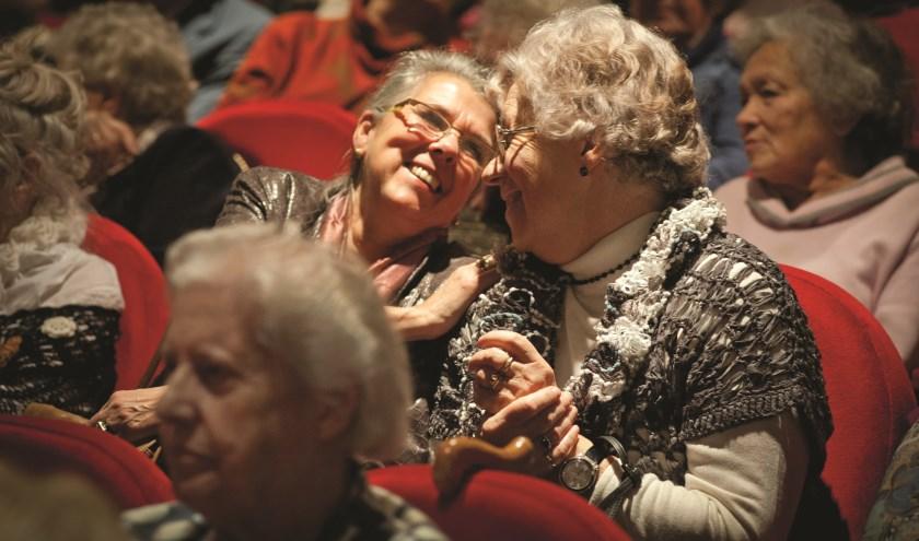 Vanaf september kunnen ook ouderen uit Breukelen een avondje uit met Vier het Leven. Foto: Vier het Leven