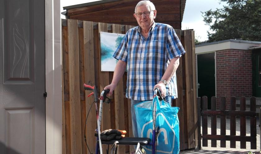 Bijzondere Tielenaar Bram Verseveld gaat iedere ochtend met zijn rollator op pad om zwerfafval te verzamelen, hij is een voorbeeld voor velen
