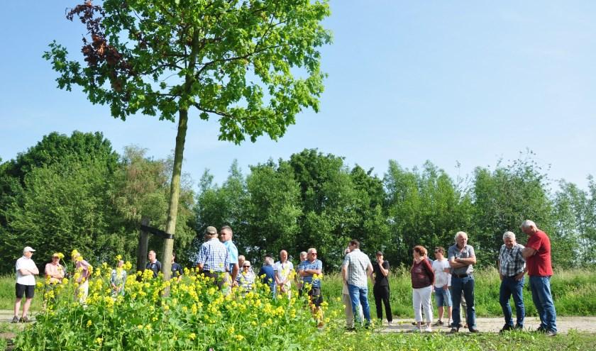 De voormalige spoorzone is vandaag de dag ingericht als natuurpark. Vrijwilligers gaan de komende jaren de planten en dieren inventariseren.