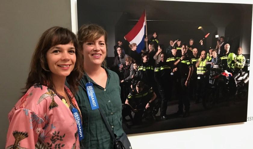 Tjarda van Vugt uit Maarssen en fotograaf Marleen Kuipers zijn eregast bij de open van de tentoonstelling 'Lang leve Rembrandt'. Eigen foto