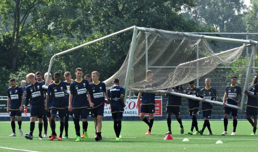 De eerste training van FC Dordrecht. (foto: Elisa Kuster)