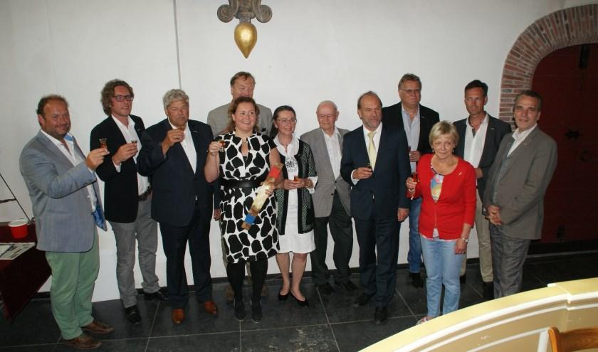 Een groot deel van de laureaten bij de uitreiking in 2016 van de Gouden Haring aan Renske Verbeek van de Stadsgehoorzaal. Foto: Peter Spek