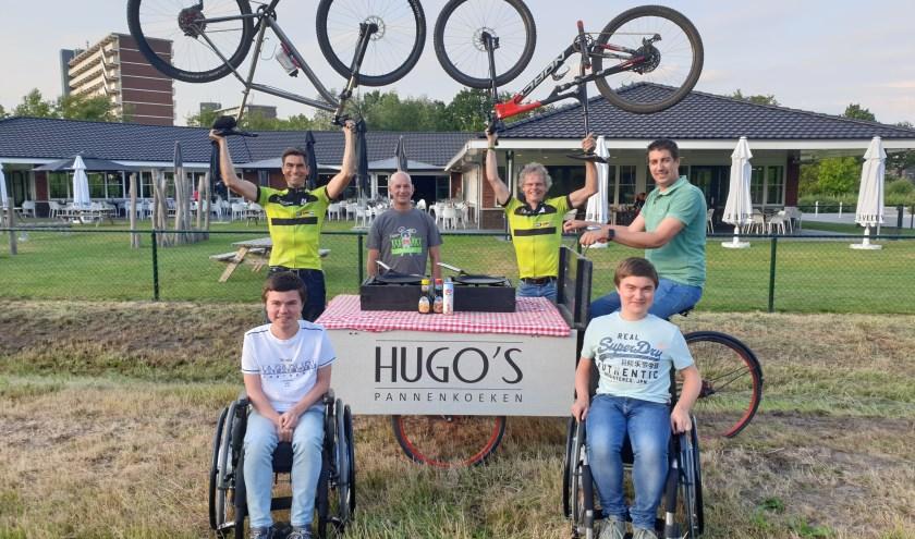 Twee Veenendaalse mountainbikers fietsen in september een loodzware tocht en zamelen daarmee geld in voor onderzoek naar zowel medicijnen om de ziekte van Duchenne te bestrijden. (Foto: PR)