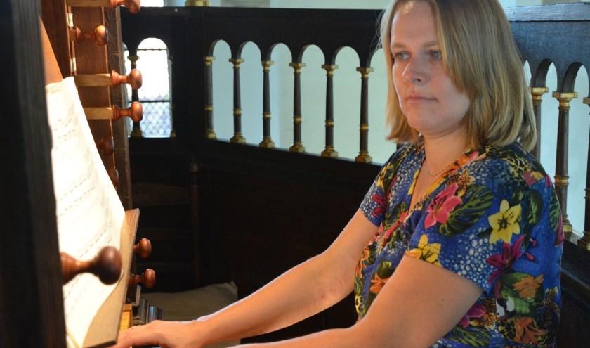 Willeke Smits is organist van de Leidse Binnenstadsgemeente in de Hooglandse Kerk in Leiden.