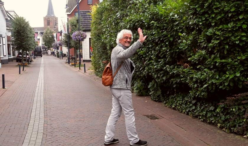 Nog één keer achterom kijken, nog één keer zwaaien, dan is Peter Samwel vertrokken als voorganger van de Vrijzinnigen Bennekom.