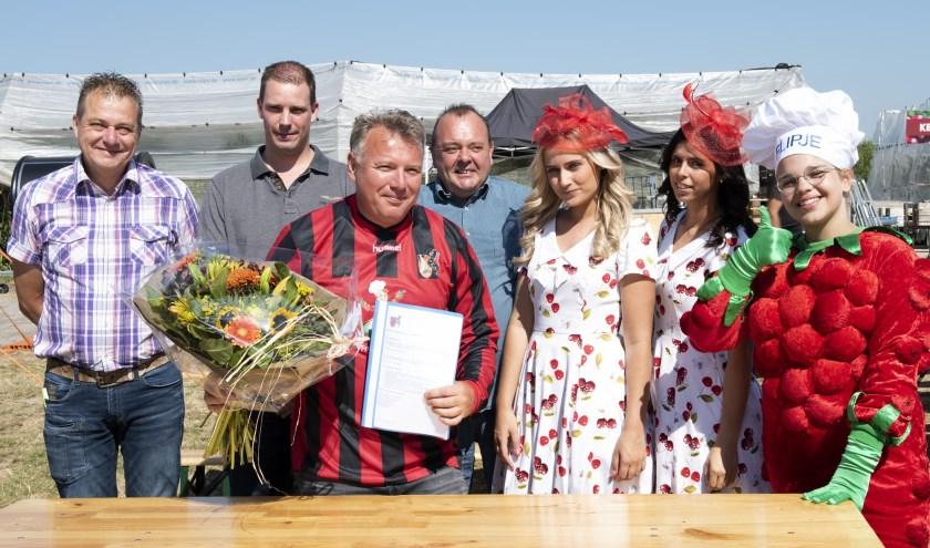 De nieuwe hoofdsponsor van vv Wadenoijen is bekend: fruitteeltbedrijf Betuwe Kers.