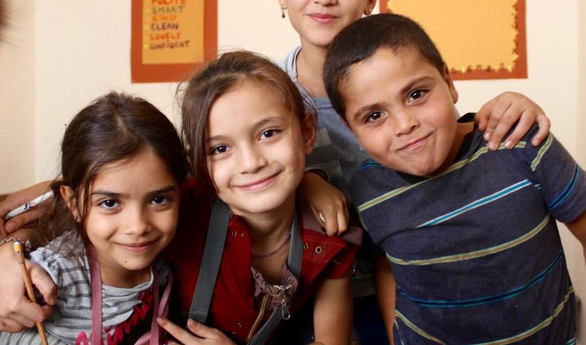 Kinderen in het Midden-Oosten zijn dankbaar dat ze naar school kunnen. (Foto: Stichting Barnabas)