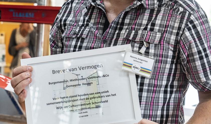 Een Brevet van Vermogen voor  Henny Jongerius. Foto: Bruun van Asten