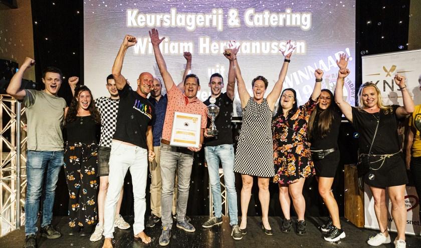 Het winnen van de Spareribs Trophy wordt gevierd. (Foto: KNS)