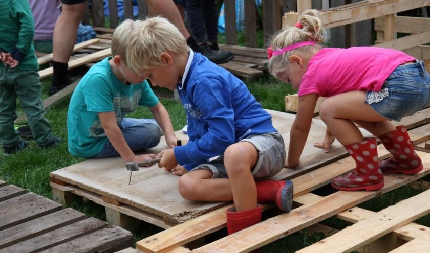 Vul het toestemmingsformulier in op www.huttenbouw.com