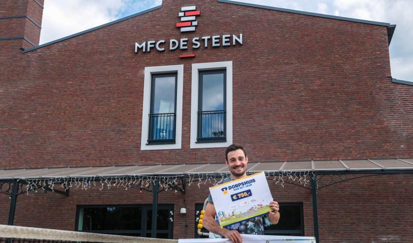 Door de finaleplek heeft De Steen een bedrag van 750 euro gewonnen. Als ze de finale winnen, krijgen ze ook nog eens 2.500 euro!