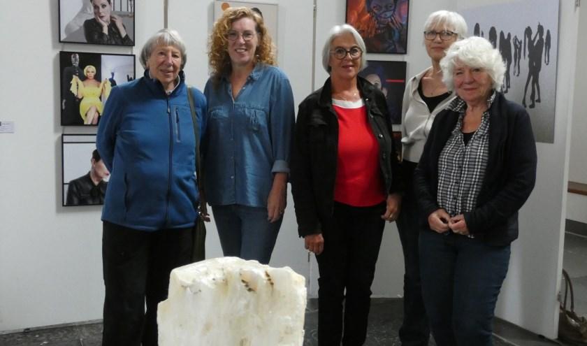 V.l.n.r. Kedo Erné, Mieke Elzinga, Marijke van der Made, Susan Koopman en Marjolein Tönis.