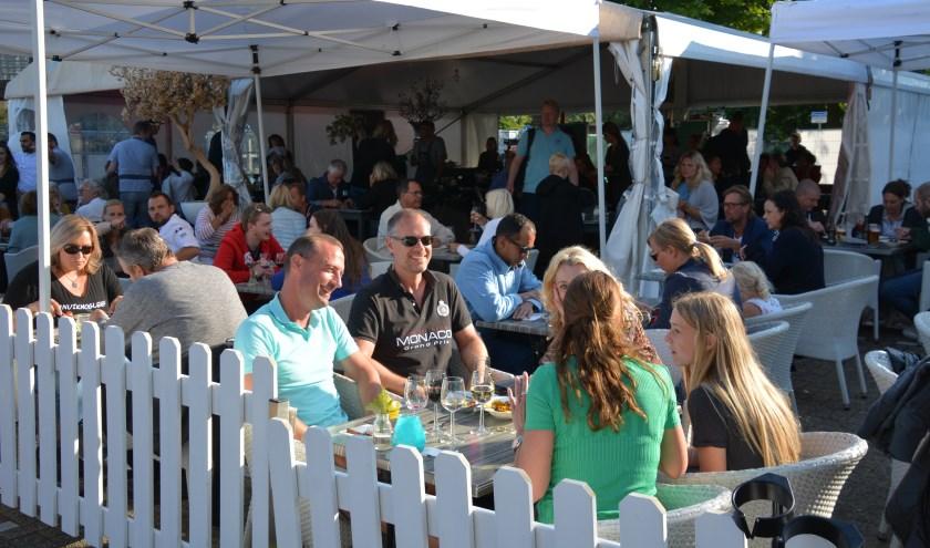 Elkaar ontmoeten bij Culinair Zoetermeer. Foto: Gerard van Warmerdam