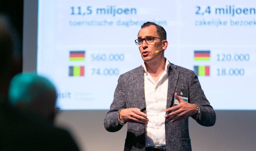 """Algemeen directeur Herre Dijkema van Toerisme Veluwe Arnhem Nijmegen: """"Toerisme zorgt voor veel inkomsten en banen in de regio."""" (Foto: Joost Ooijman)."""