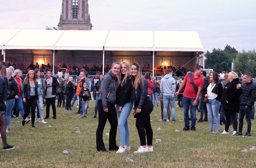 De dames uit Woudenberg en Amerongen vermaken zich best (Foto: Max Timons)   © DPG Media