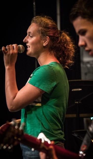 Marell Schelhaas is één van de zangleerlingen die optreden. Foto: Dick Sanderman.
