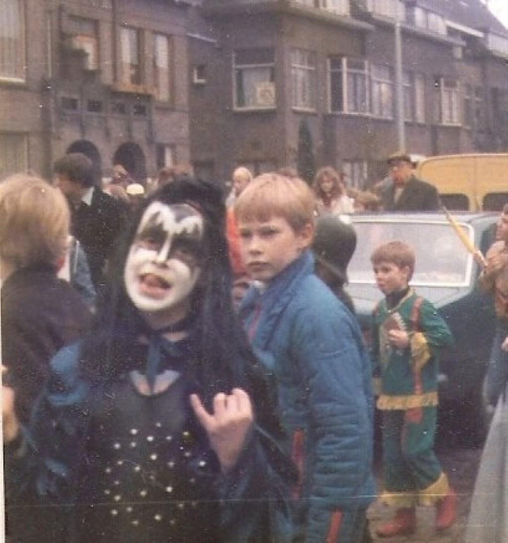 """De liefde voor (rock) muziek en Kiss zat er bij Dimitri in ieder geval al vroeg in. """"Op de dag van Rammstein in de Kuip was ik bij Kiss in de Ziggo Dome. Dat was misschien ook wel de laatste keer!""""  © DPG Media"""
