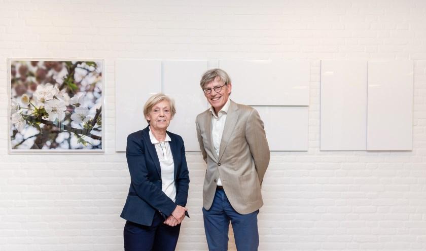 Ine Vermee en Bart Berden poseren voor het vierluik. foto: ETZ Fotografie & Film/Ellen den Ouden