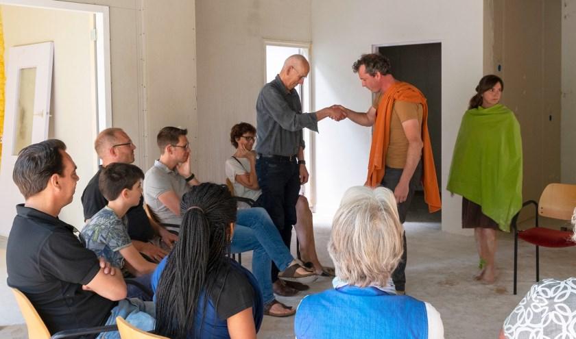 Theaterdialogen bij de Open Dag van De Kleine Wereld. 'Dingen zijn niet altijd wat je denkt dat ze zijn.'