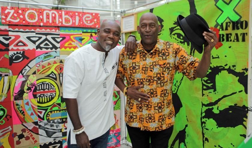George Duncan (l) en Ricardo Lemmer maken zich op voor de elfde editie van The Hague African Festival (Foto: Peter van Zetten)