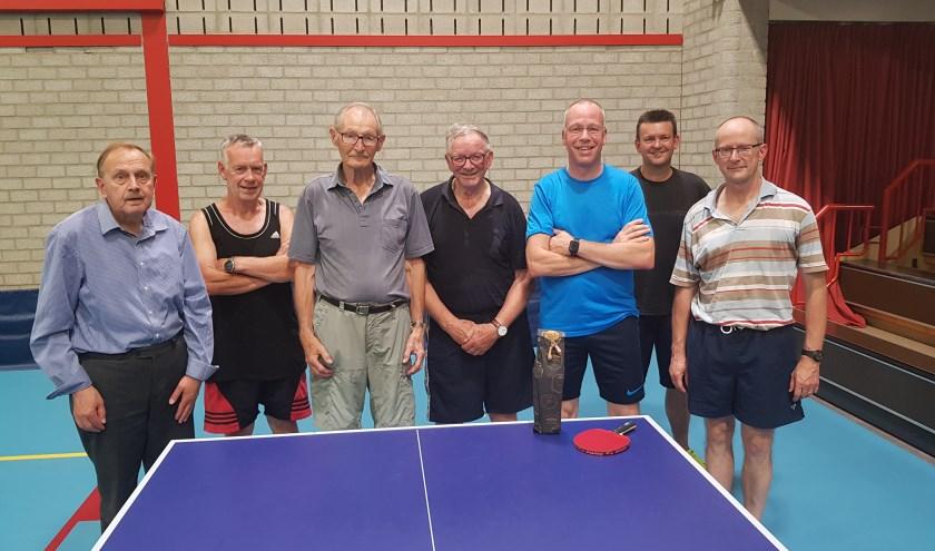 recreanten v.l.n.r.: Toon van den Boogaart, Joep Jaspers, Flip Stomps, Piet Scheepers, Arthur van den Berg, Tony Derks, Maurice van Dijck