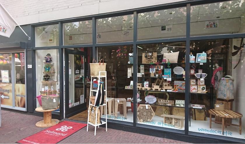 Tiendas Differentes verkoopt FairTrade, duurzame, handgemaakte, biologische en/of gerecyclede producten en is gevestigd aan de Markt 45A vlak bij de Kubuswoningen.