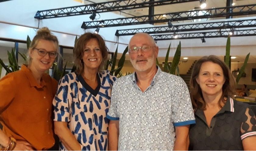 Van links naar rechts: Grietje Verkleij, Coby Sastra, Henk de Bock en Ingrid Peters. (Foto: Elly Bruns)