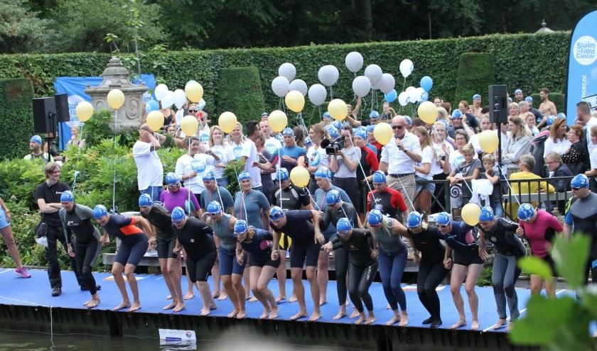 Zondag 1 september is het zover: het grootse zwemevenement van Swim to Fight Cancer Stichtse Vecht gaat van start. Foto: M. Vervoorn